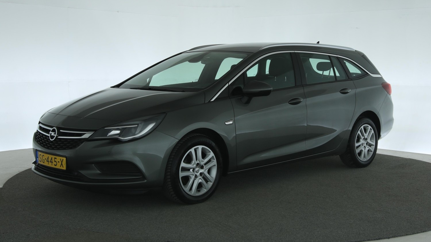 Opel Astra Station 2018 SG-445-X 1