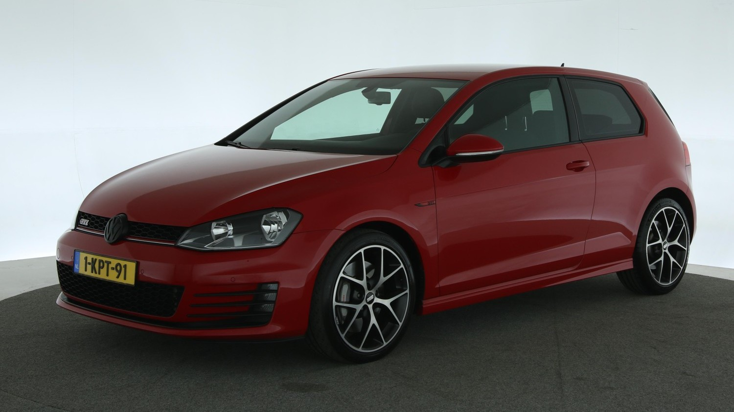 Volkswagen Golf Hatchback 2013 1-KPT-91 1