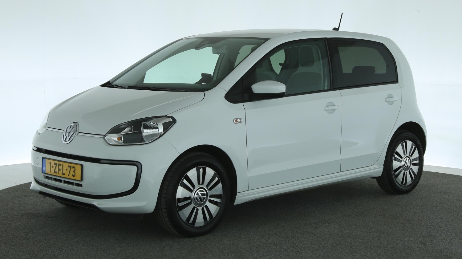 Volkswagen e-Up! Hatchback 2015 1-ZFL-73 1