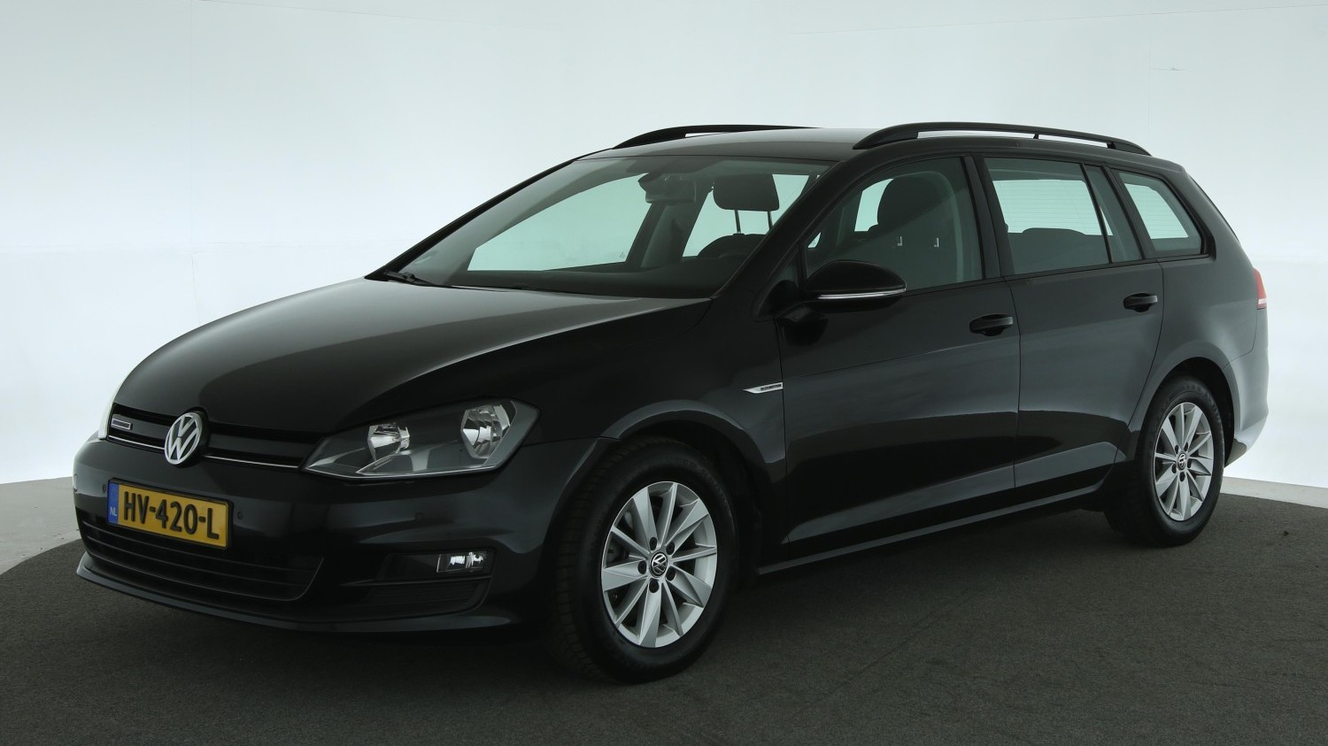 Volkswagen Golf Station 2016 HV-420-L 1