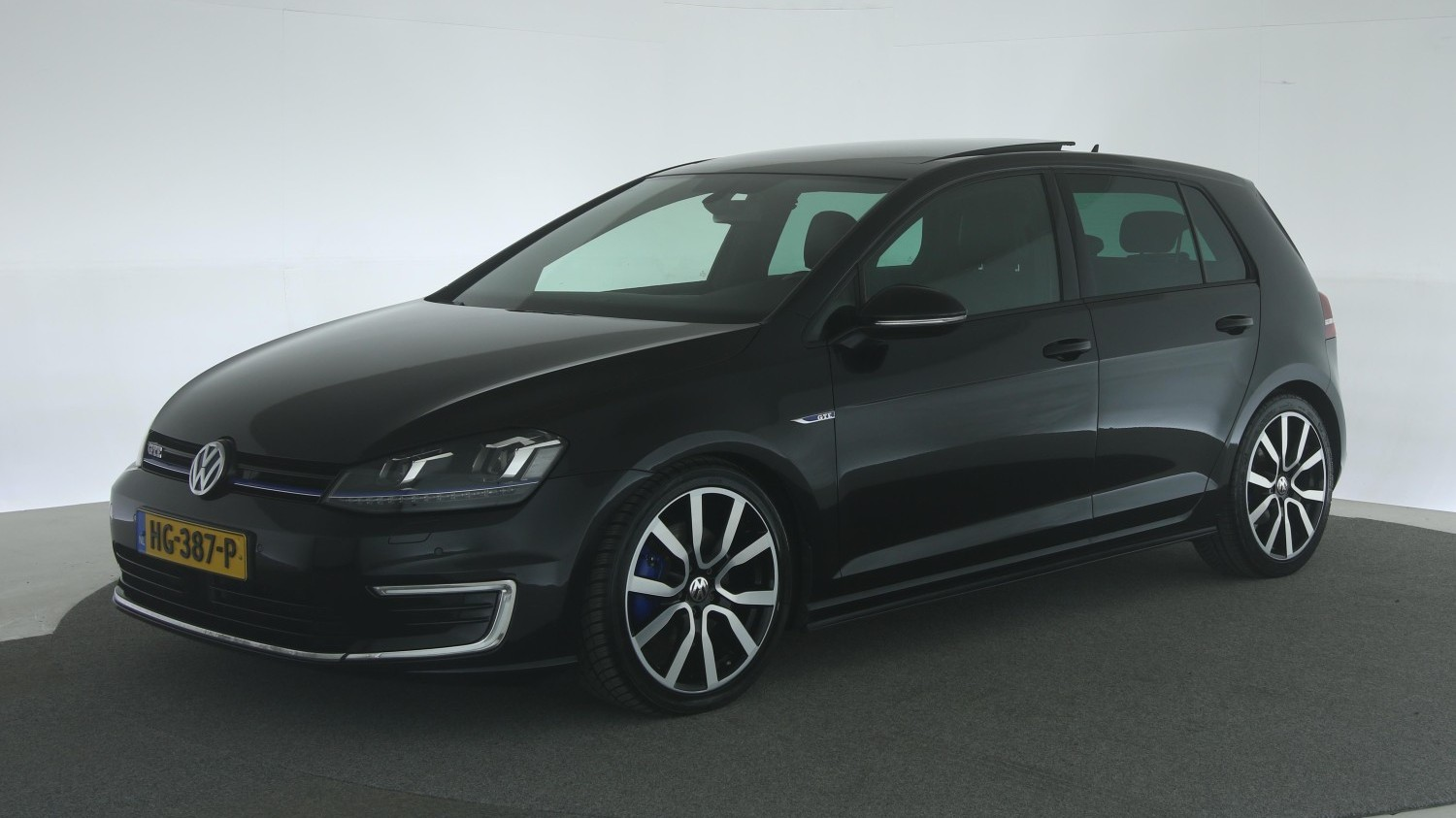 Volkswagen Golf Hatchback 2015 HG-387-P 1