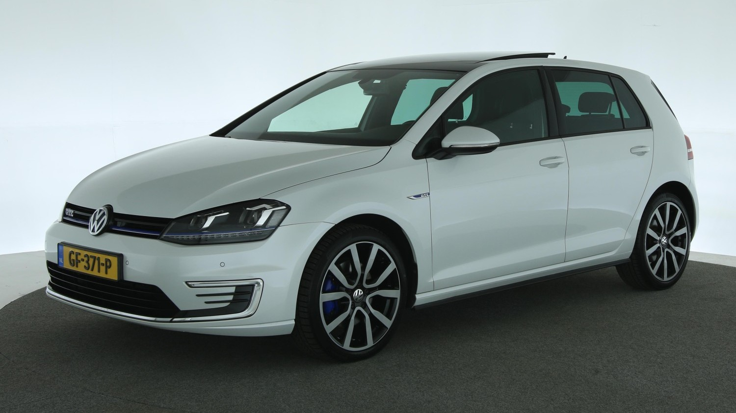 Volkswagen Golf Hatchback 2015 GF-371-P 1