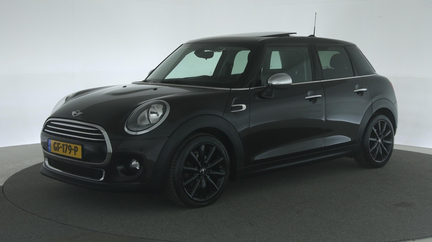 Mini Cooper Hatchback 2015 GF-179-P 1